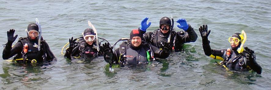 Leden van het Waterman duikteam in actie
