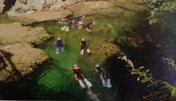 Snorkelen in een bergrivier in Oostenrijk