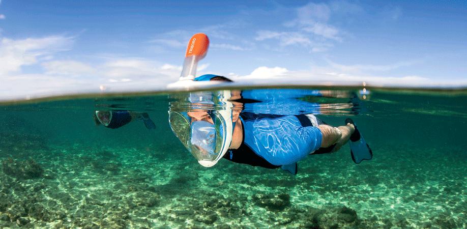 Snorkelen met een snorkelmasker