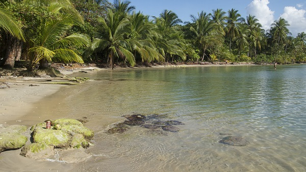 Bij Polo Beach op Bastimos kun je ook prima snorkelen