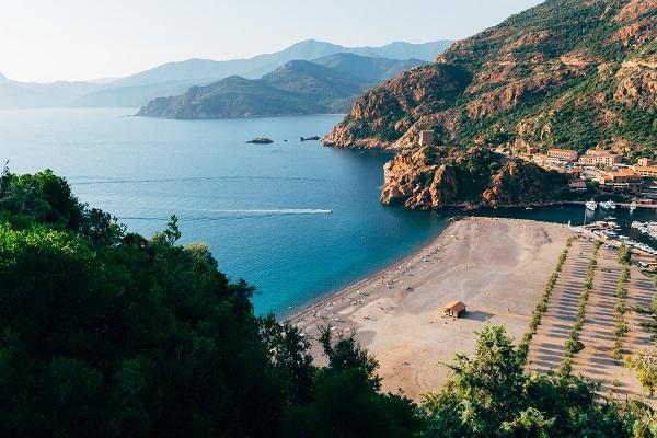 Strand bij Porto Corsica
